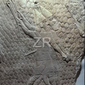 1025-4 Assyrian slingers