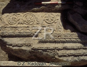 1327-1 Temple carvings