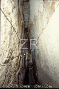 1398-1 Western Wall tunnel