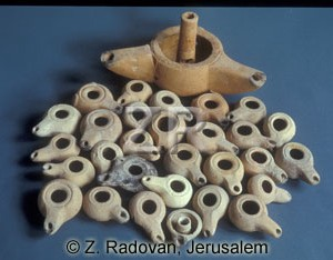 2227-1 Helenistic oil lamps