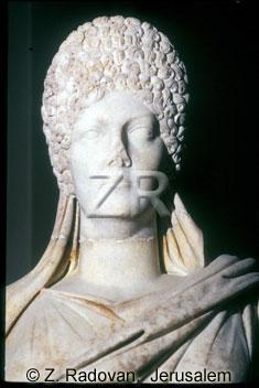 2458-4 Roman lady
