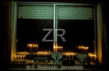 2555 Hanukkah lights