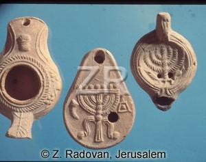2698 Roman Jewish oil lamps