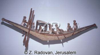 3196-2 Egyptian river boat