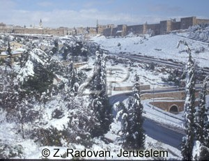 327-1 Snow in Jerusalem