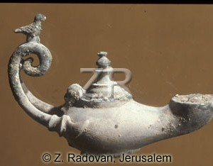 3522 Late Roman oil lamp
