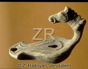 3611 Roman oil lamp