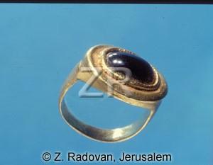 3911 Roman ring