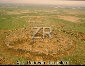4006-1 Tubuli tomb