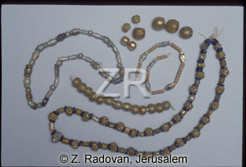 4297-2 Glass necklace