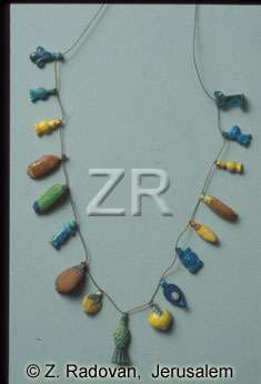 4297-6 Glass necklace