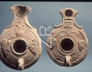 4351-10 Herodian oil lamp