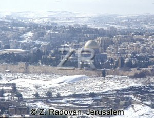 4475-1 Jerusalem in snow