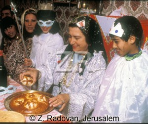 4500-1 Purim food