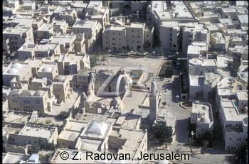 4511-5 The Jewish quarter