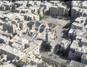 4511-7 The Jewish quarter