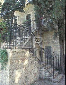 4517-4 Rabbi Cook's house