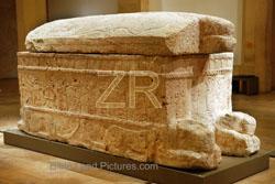 5762 King Hirams sarcophag