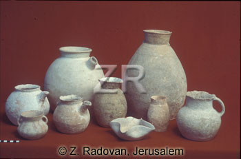 1479-3 cnaanite pottery