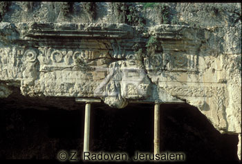 169-2 Tombs of the Kings