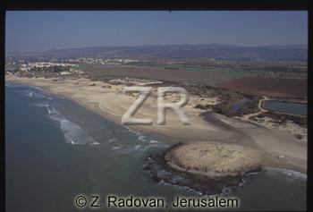 3572-4 Mediterenean coast