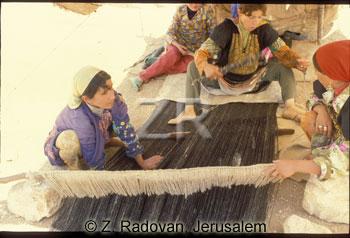 433-7 Carpet weaving