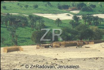 4563-1 Egyptian village