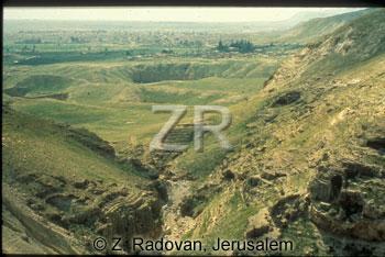4573-6 Southern Lebanon