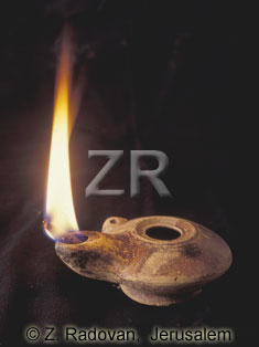 5005-2 Helenistic oil lamp