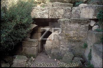 858-1 Madras burial cave