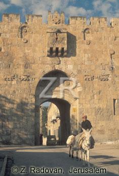 957-4 The Lion's Gate